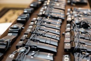 приемници със слушалки за симултанен превод от ОРАТОР ЕООД